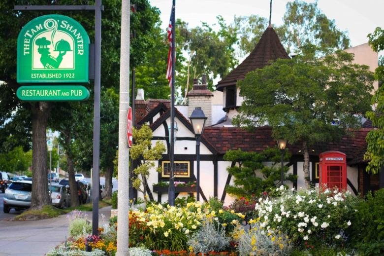 Los Feliz Tam O'Shanter Restaurant