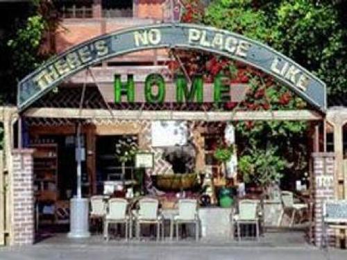 Los Feliz Home Restaurant